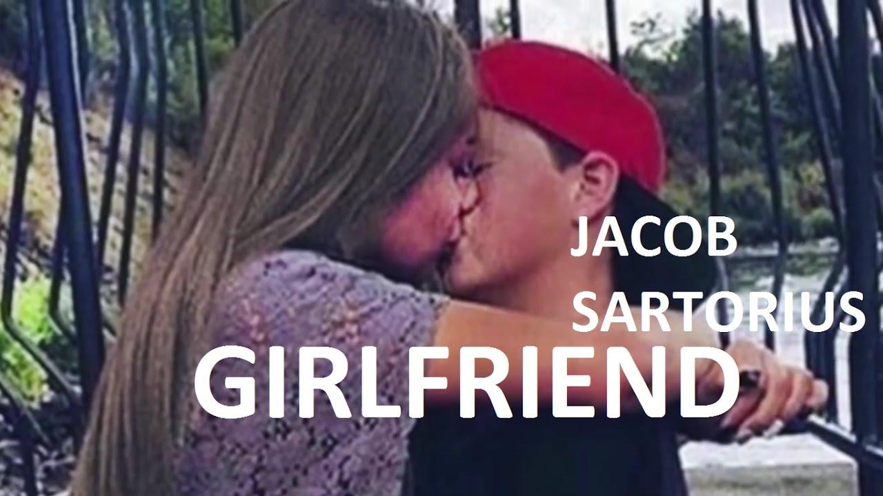 Are jacob sartorius and maddie ziegler dating