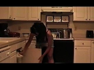Getting a hot twat in the kitchen