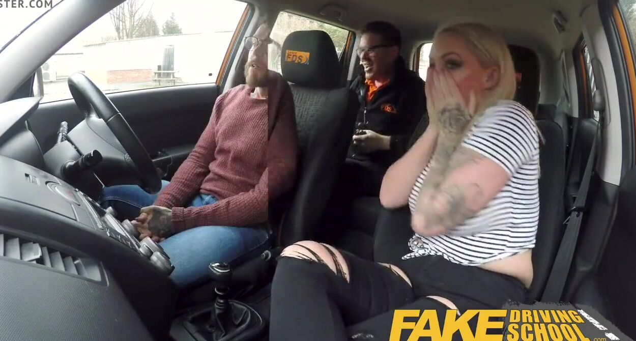 Free porn woman drivein while haven sex