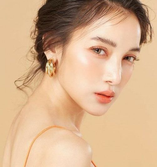 Best yellow based foundations for asian women