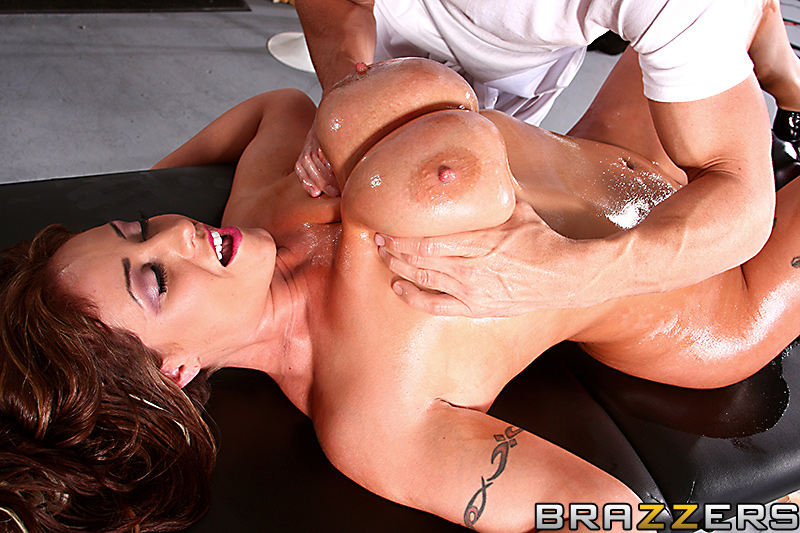 Eva notty huge tits on the receptionist