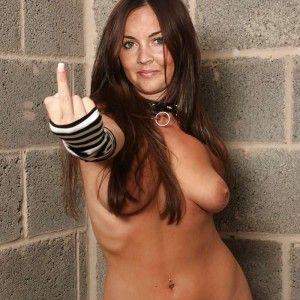 Amanda lee shows he juicy pussy pics