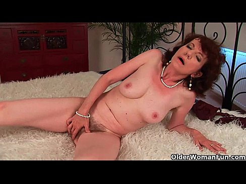 Older black woman fucked in hairy pussy