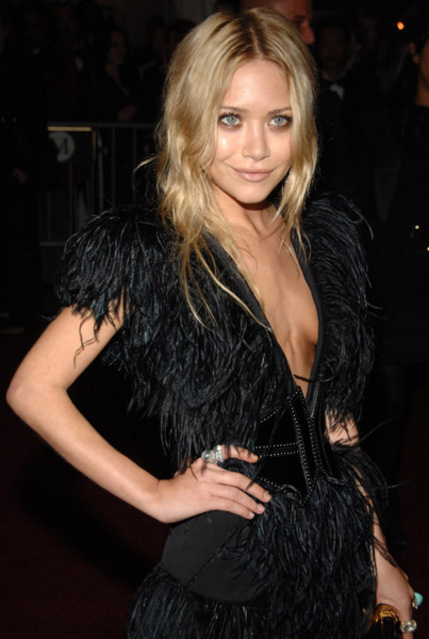 Mary kate and ashley olsen nude pics