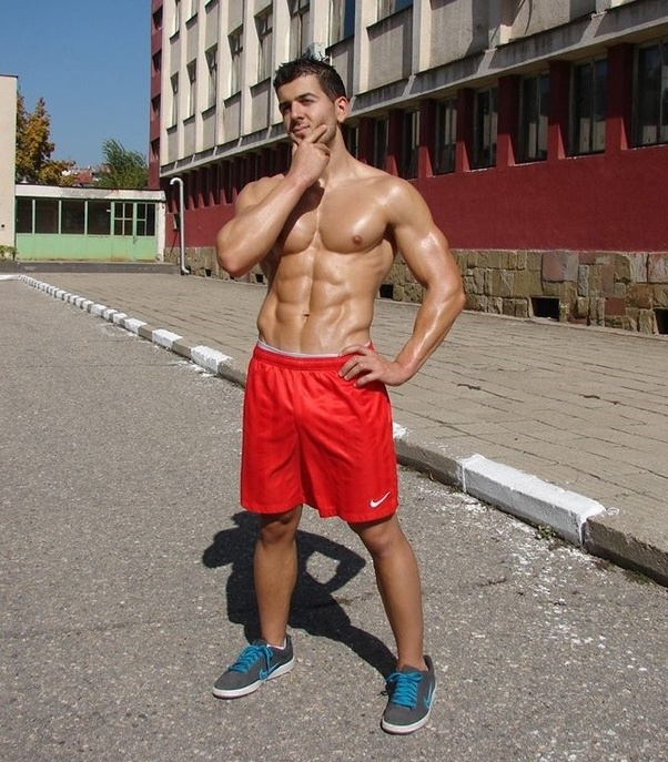 College muscle men sex with older women