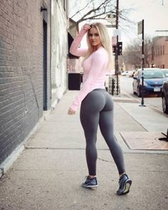 Pictures of hot girls in yoga pants