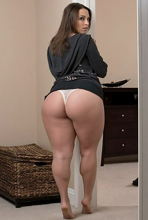 Porn with big ass and booty mom