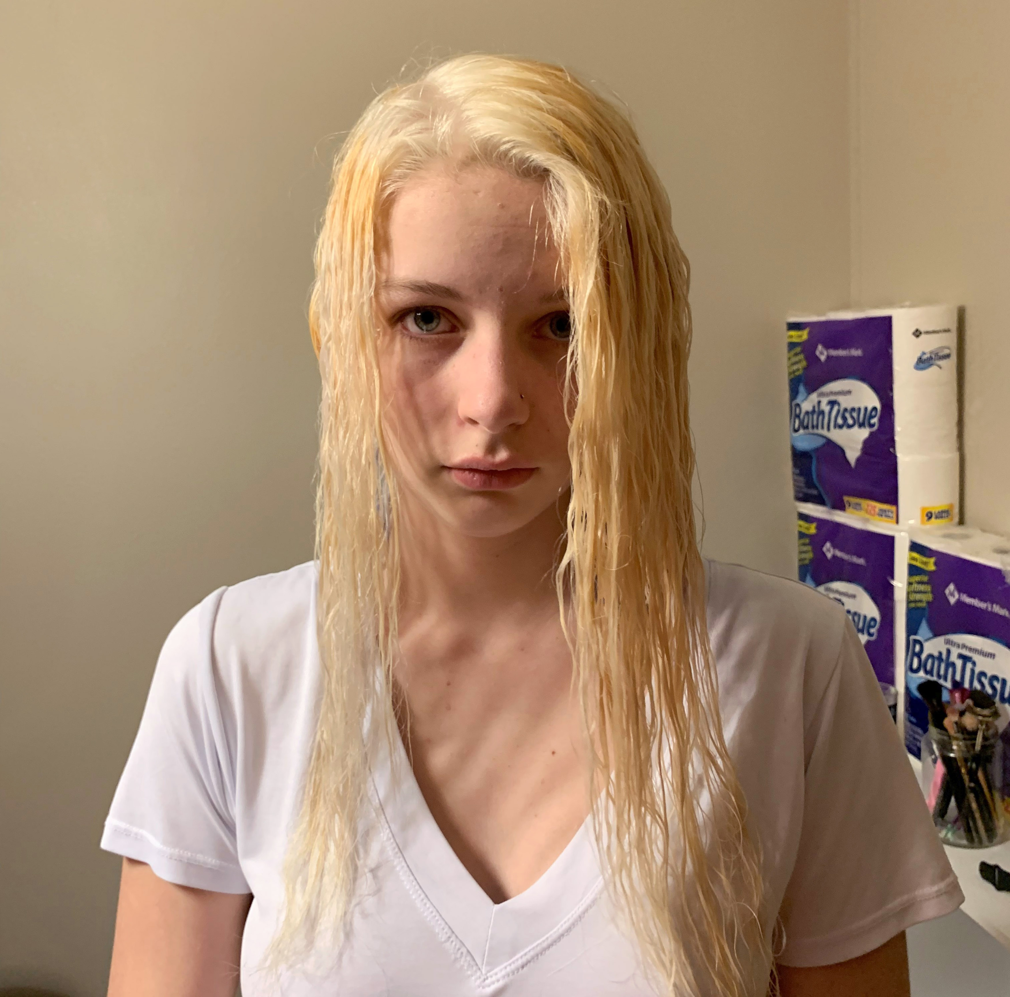 How to get blonde hair with bleach