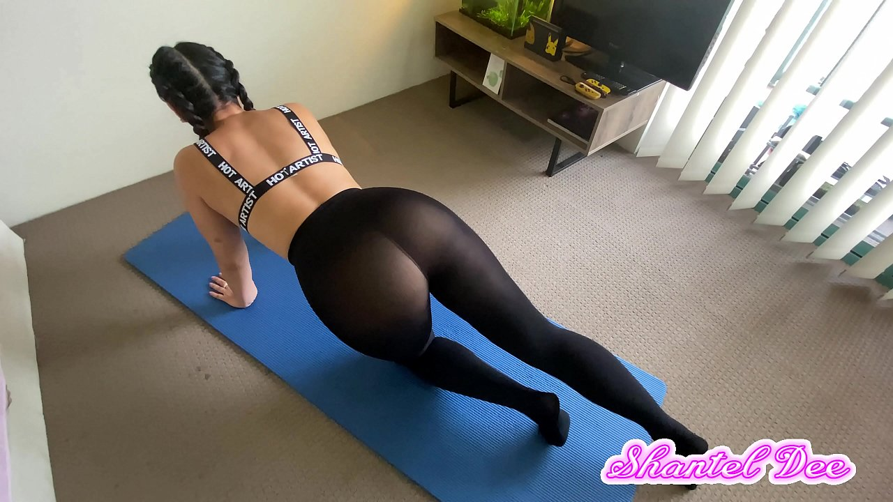 Sexy ass and pussy in leggings photo