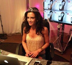 Leading lesbian online community shoe international network