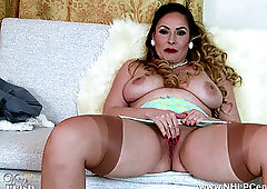 Housewife hantyhose full blowjob cum in mounth