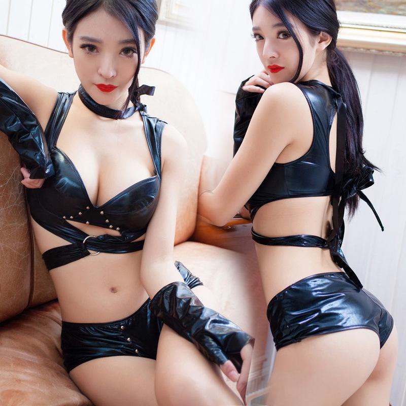 Free pics of femdom strap on anal