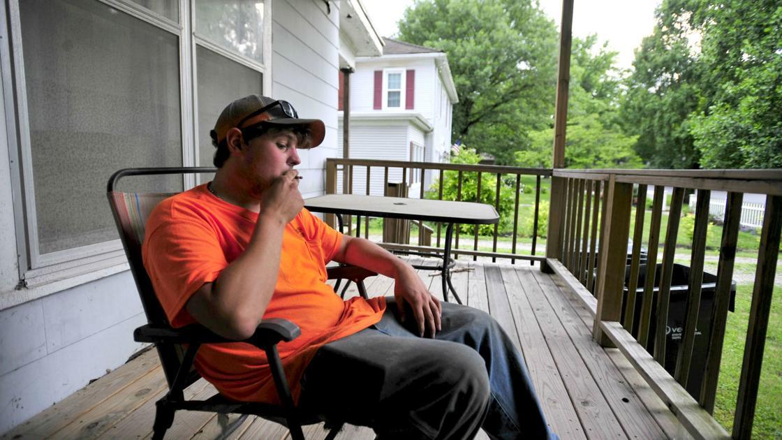 Adult head novelty shop smoke smoking tobacco