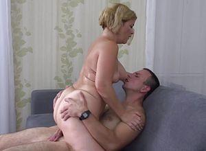 Free mature mom old sex seduce son