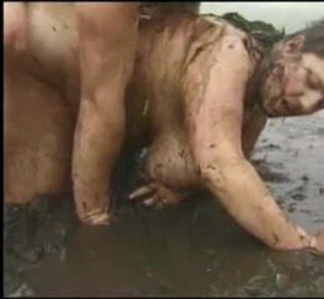 Bbw horny grannie ass fucked in mud
