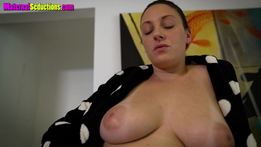 Come here son mommy wants to fuck
