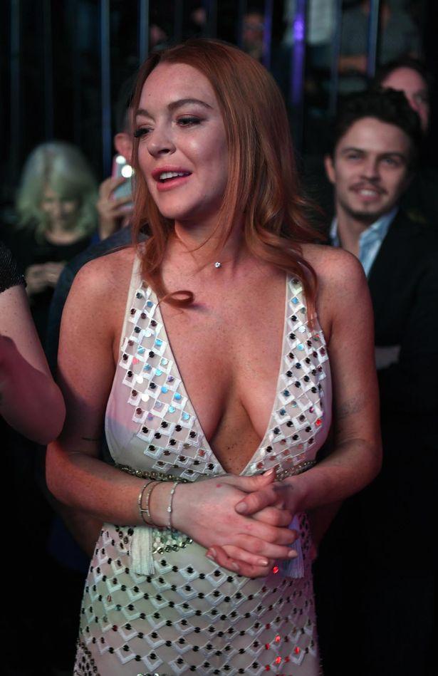 Did lindsay lohan have a boob job