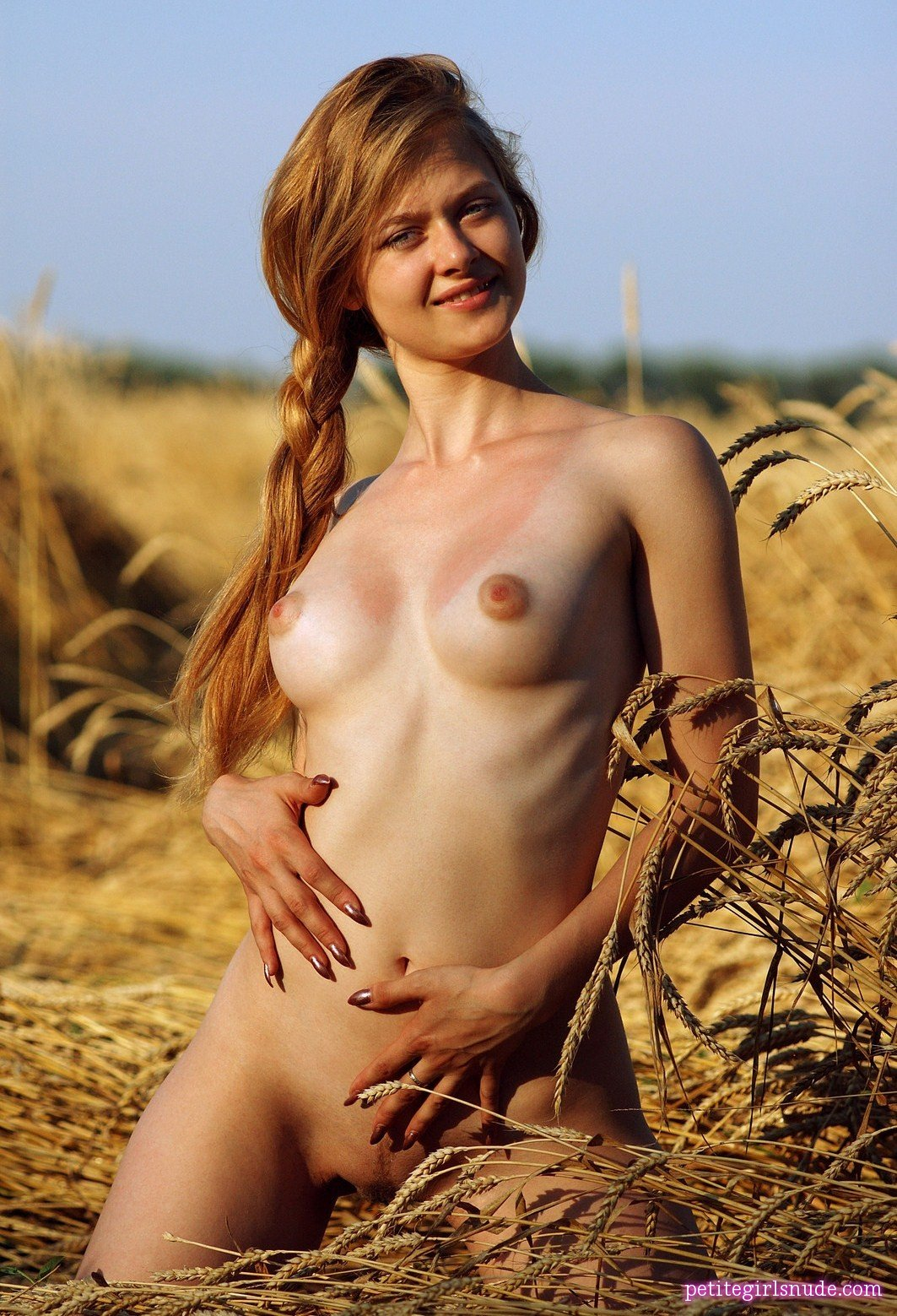 Free pic of nude woman on woman