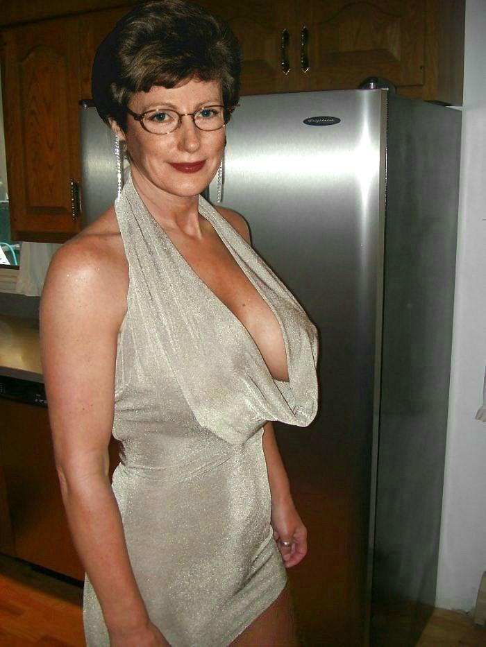 Big tits milfs who like big cock