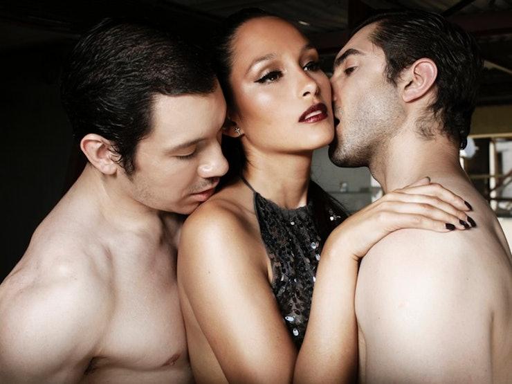 Homemade amateur threesome ffm asian amd white