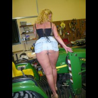 She thinks my tractor s sexy ringtone