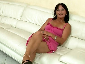 Dring squiring sexy older women horny ready