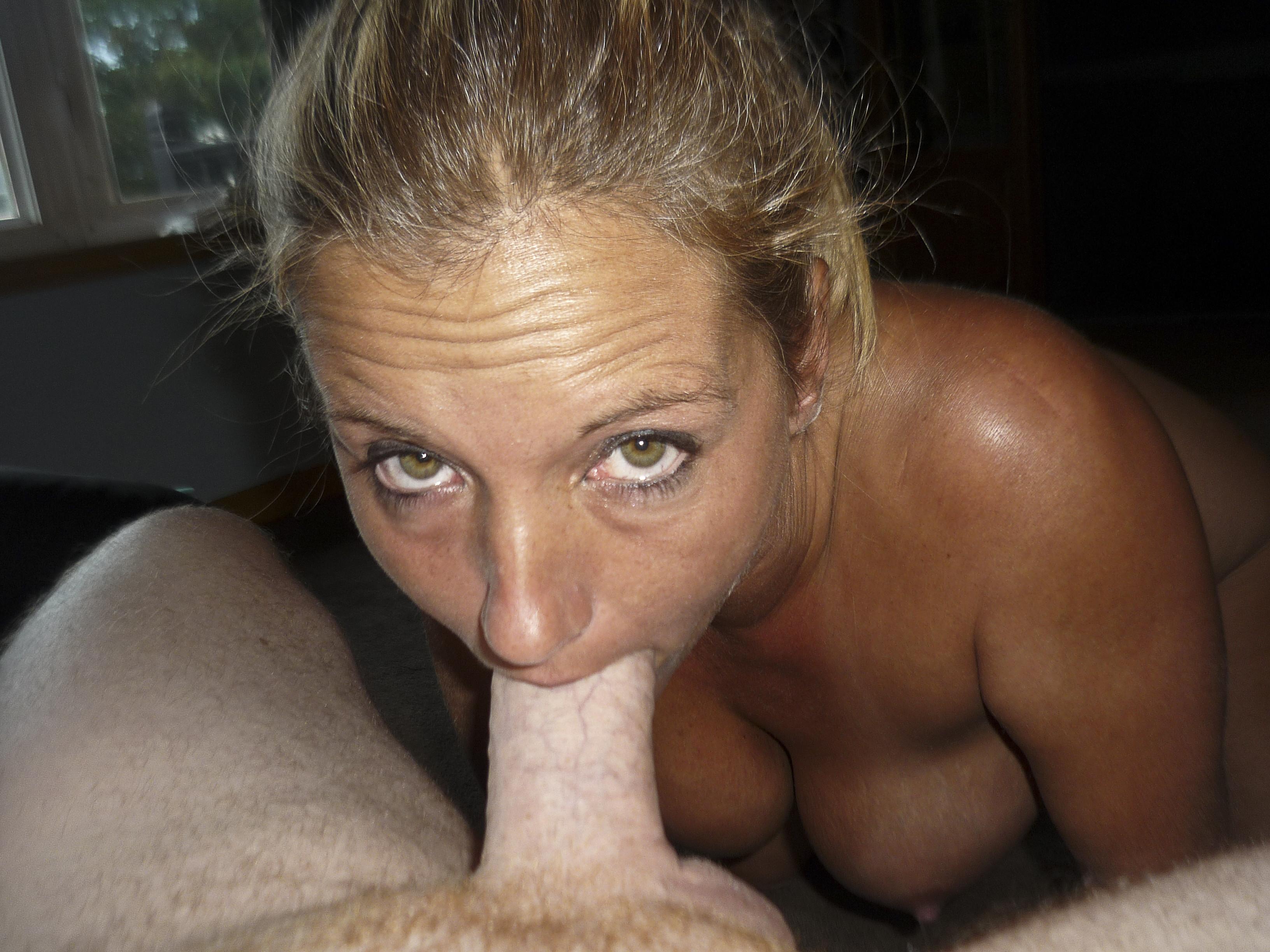 Busty amateur milf pov eye contact blowjob