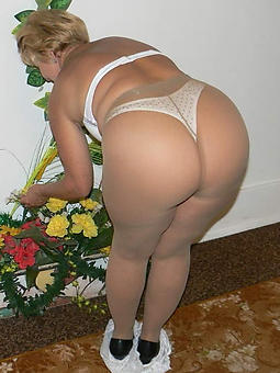 Free naked women in panty hose pics