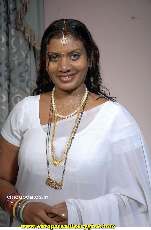 Hot tamil aunty pundai sunni mulai story